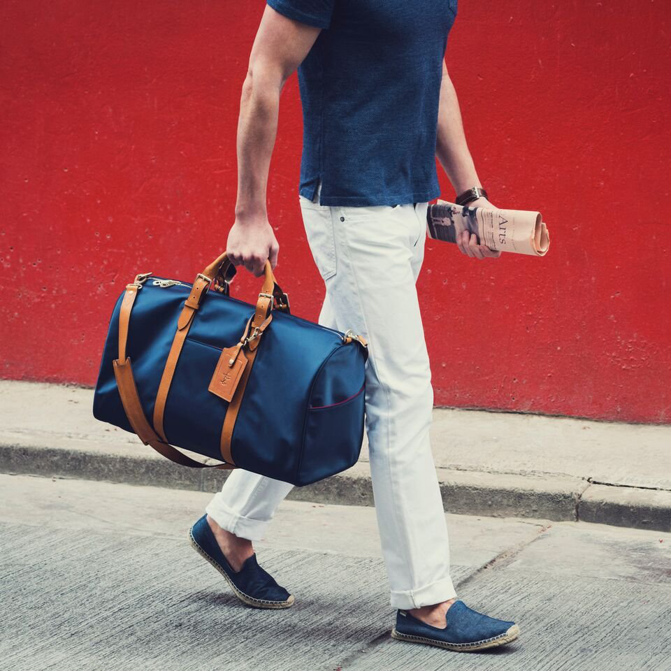 Navy & Tan Monaco Weekender by Stuart and Lau的图片