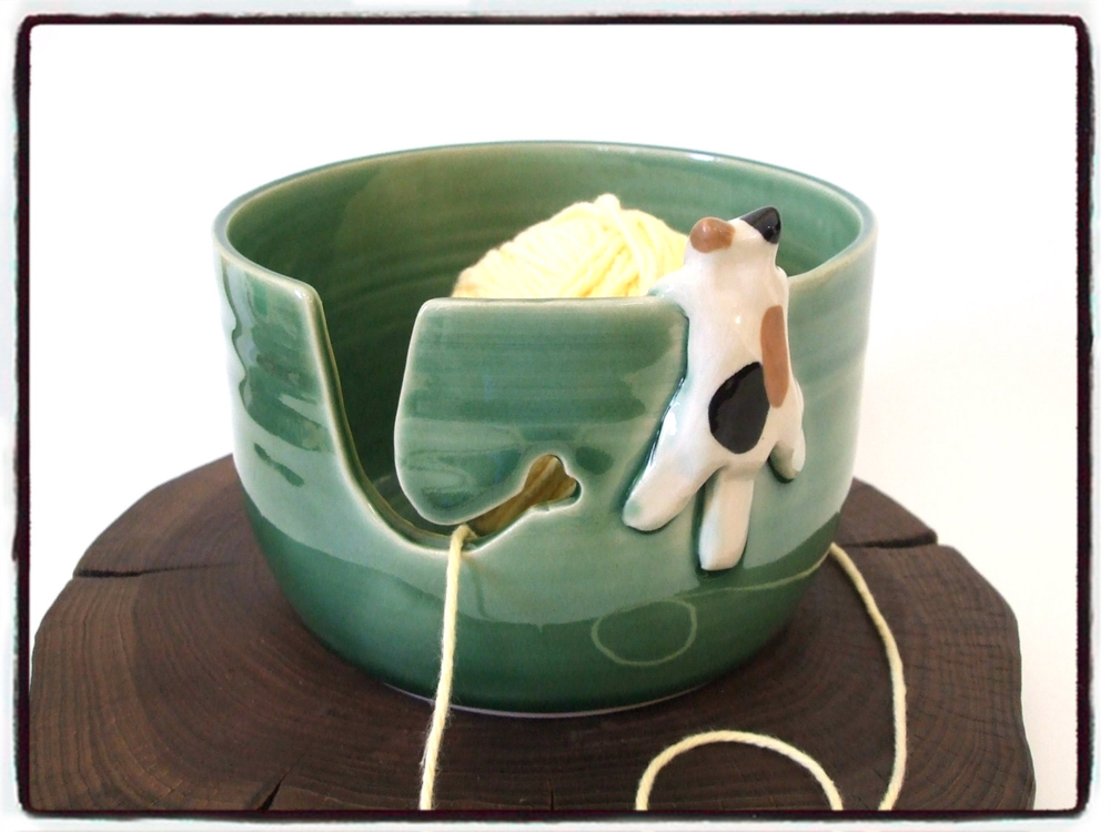 Yarn Bowl with Cute Calico Cat  in True Green by misunrie的图片
