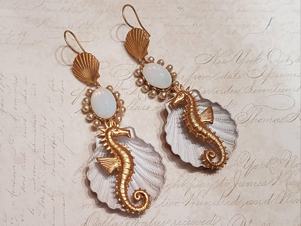 古董耳环·海马 Askew London Earrings Sealife Shell Chandlier Pearl Gold Seahorse的图片