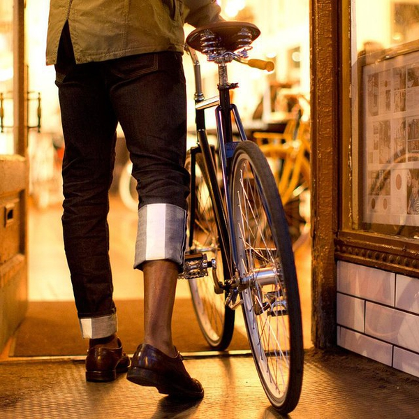 Selvage Riding Denim by Upright Cyclist的图片