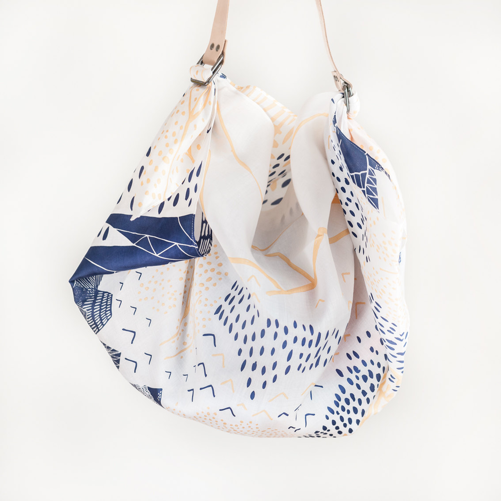 Mountain Blossom Furoshiki & Tan Leather Carry Strap Set的图片