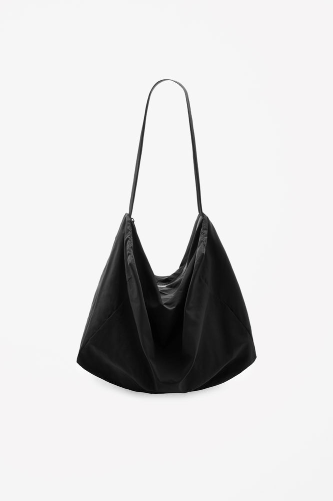 Relaxed shoulder bag的图片
