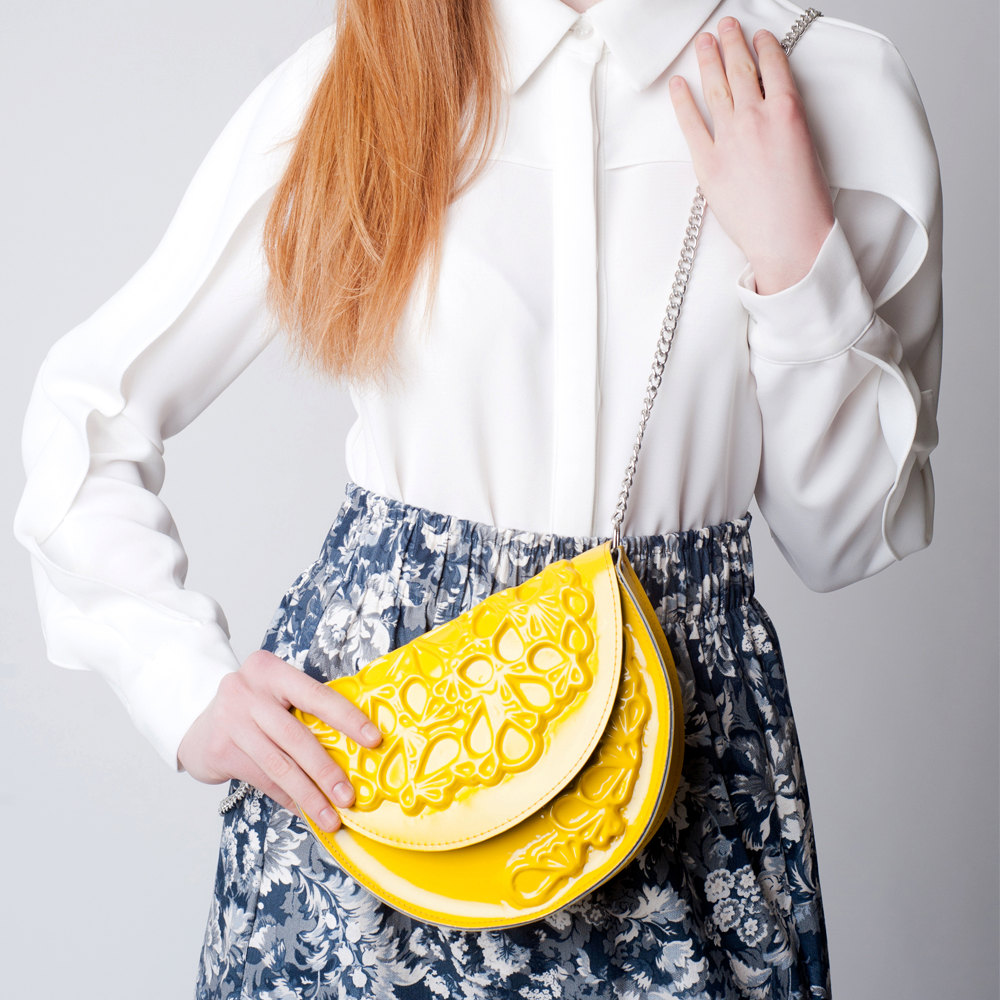 Round clutch purse, vibrant yellow standout clutch bag, round clutch bag with metal shoulder strap contains non leather 的图片