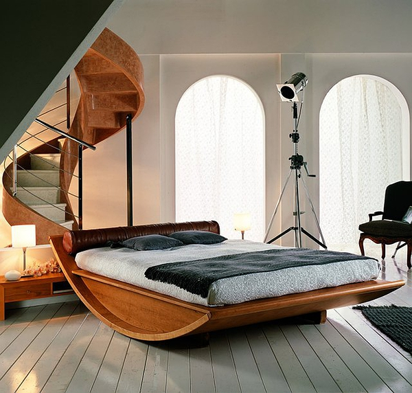 Wooden Gondola Bed by Mazzali的图片