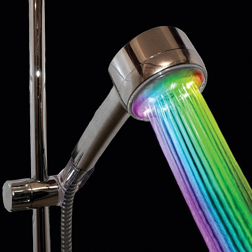 Color Changing Showerhead Nozzle - Rainbow LED Lights Cycle Every 2 Seconds的图片