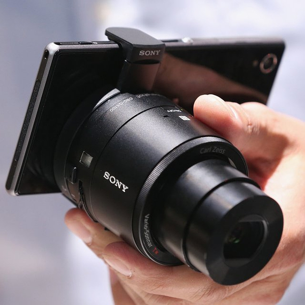 Sony QX100 Smartphone Attachable Lens-style Camera