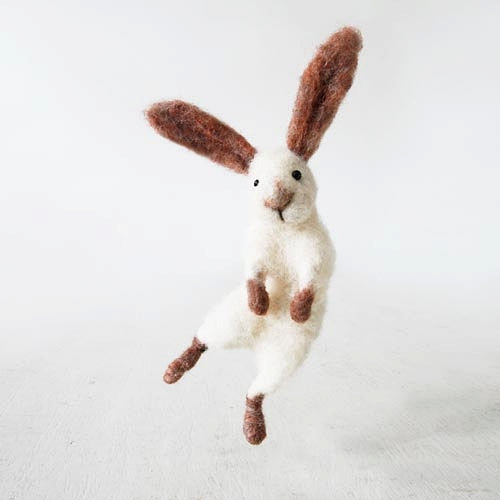 Jumping bunny rabbit Sir Hopsalot 羊毛毡手作的图片