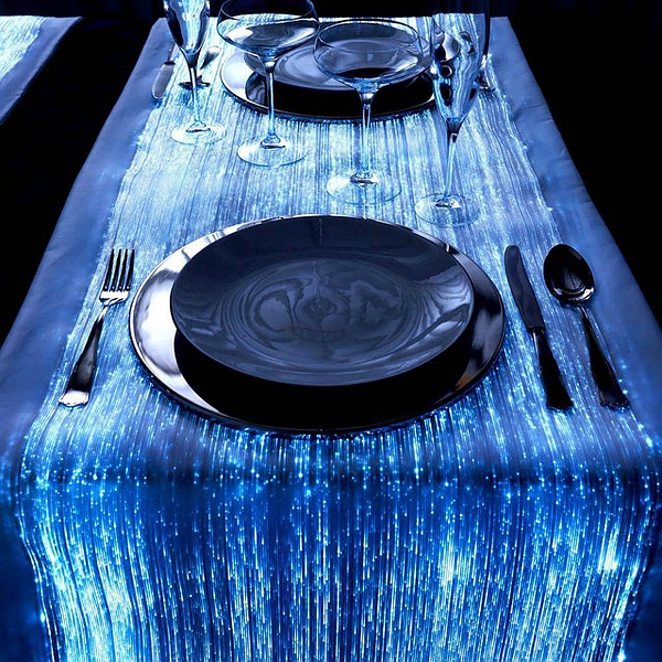 Fiber Optic Table Runner by Luminex的图片