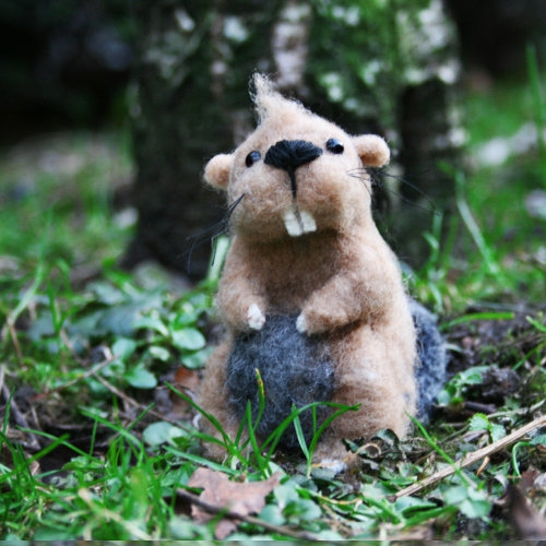 ROCKY the beaver - handmade forest animal, collectible doll from organic wool的图片