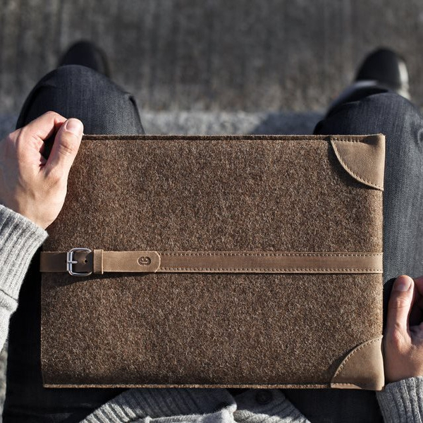 Wool & Leather MacBook Sleeve by Cocones电脑手包