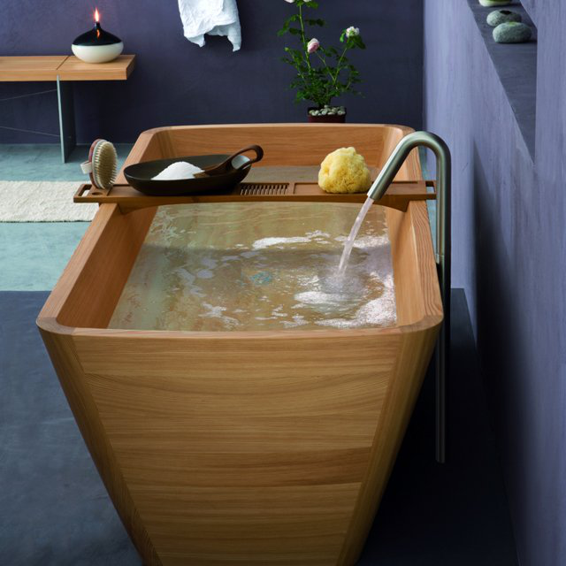 Agua Wooden Bathtub by Francoceccotti