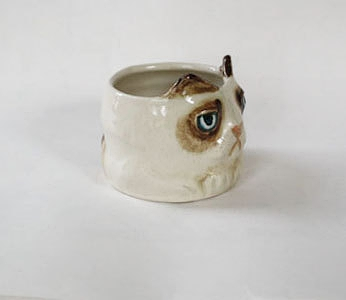 Big Squat Grumpy Cat Shot Glass