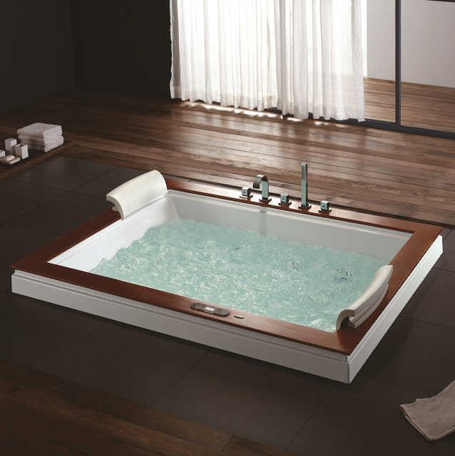 Breckenridge Whirlpool Tub - $4099