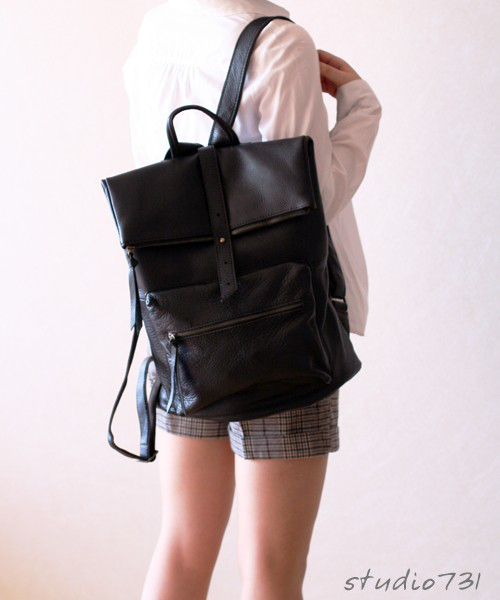 方形皮背包 黑色Square Shape Leather Backpack - Black的图片
