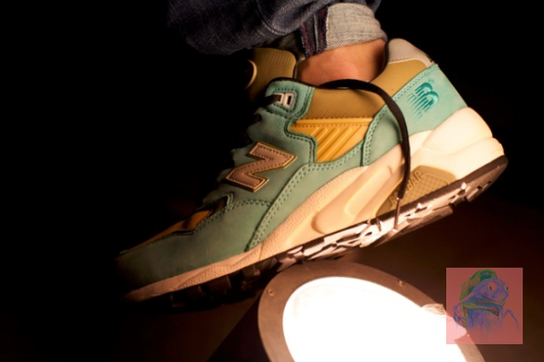 现货!独家NEW BALANCE X HECTIC REAIMAD X STUSSY MT580 AT的图片
