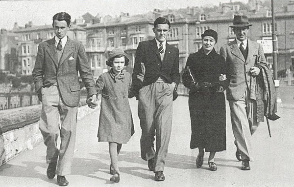 Christopher, Priscilla, Michael, Edith and John Ronald in 1940