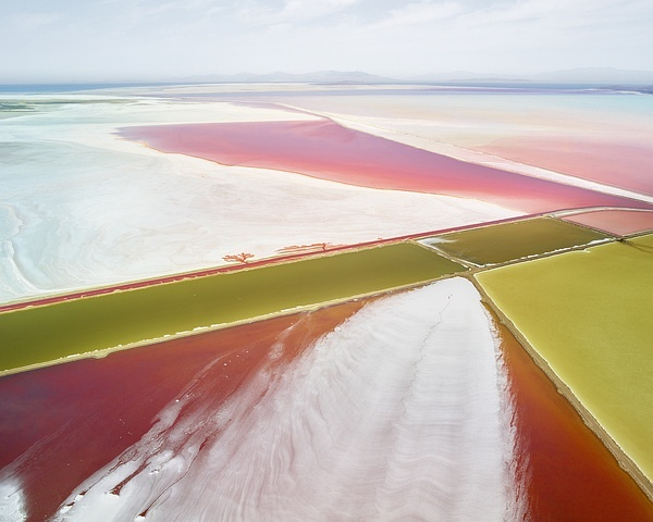 © DAVID BURDENY, Saltern Study 02, Great Salt Lake, UT, 2015. Courtesy of Per van der H